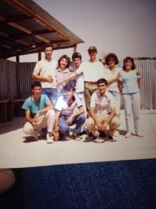 Don Andrea con un gruppo giovani